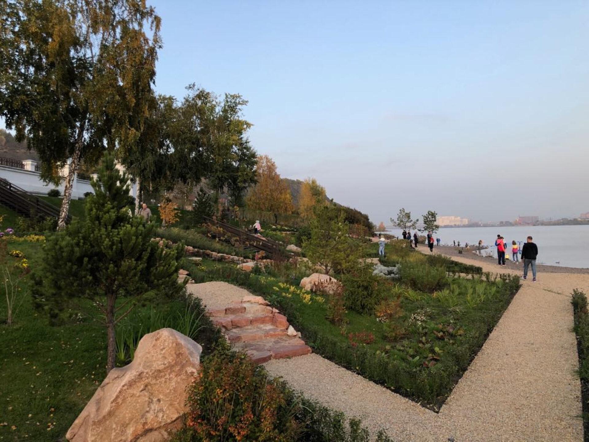 НаЕнисее возле Успенского мужского монастыря