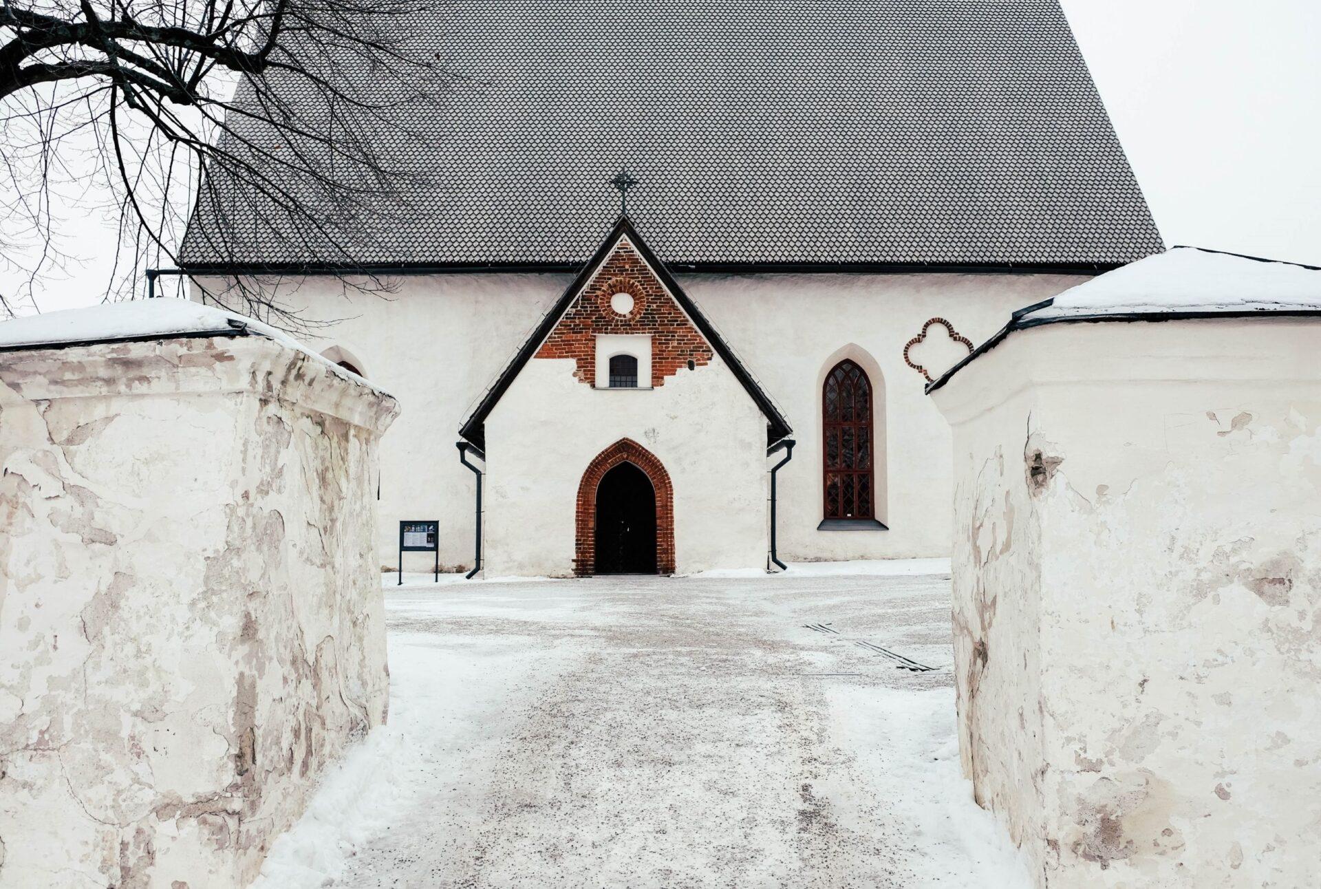Зимняя прогулка пофинскому городку Порвоо