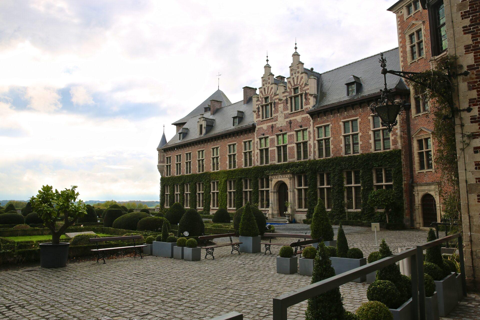 Замок Гаасбек (Gaasbeek)