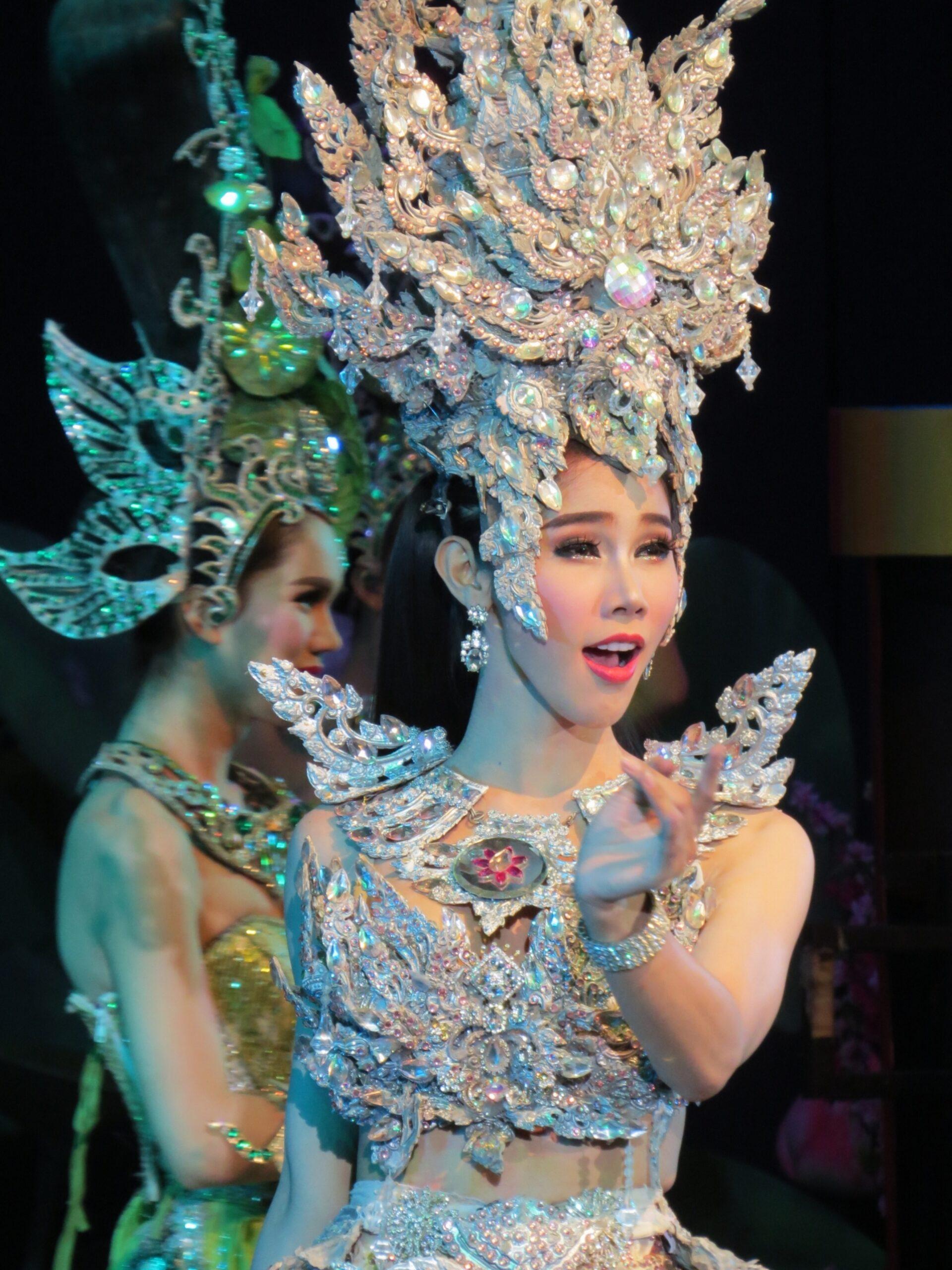 Тайланд тиффани шоу шоу трансвеститов моему