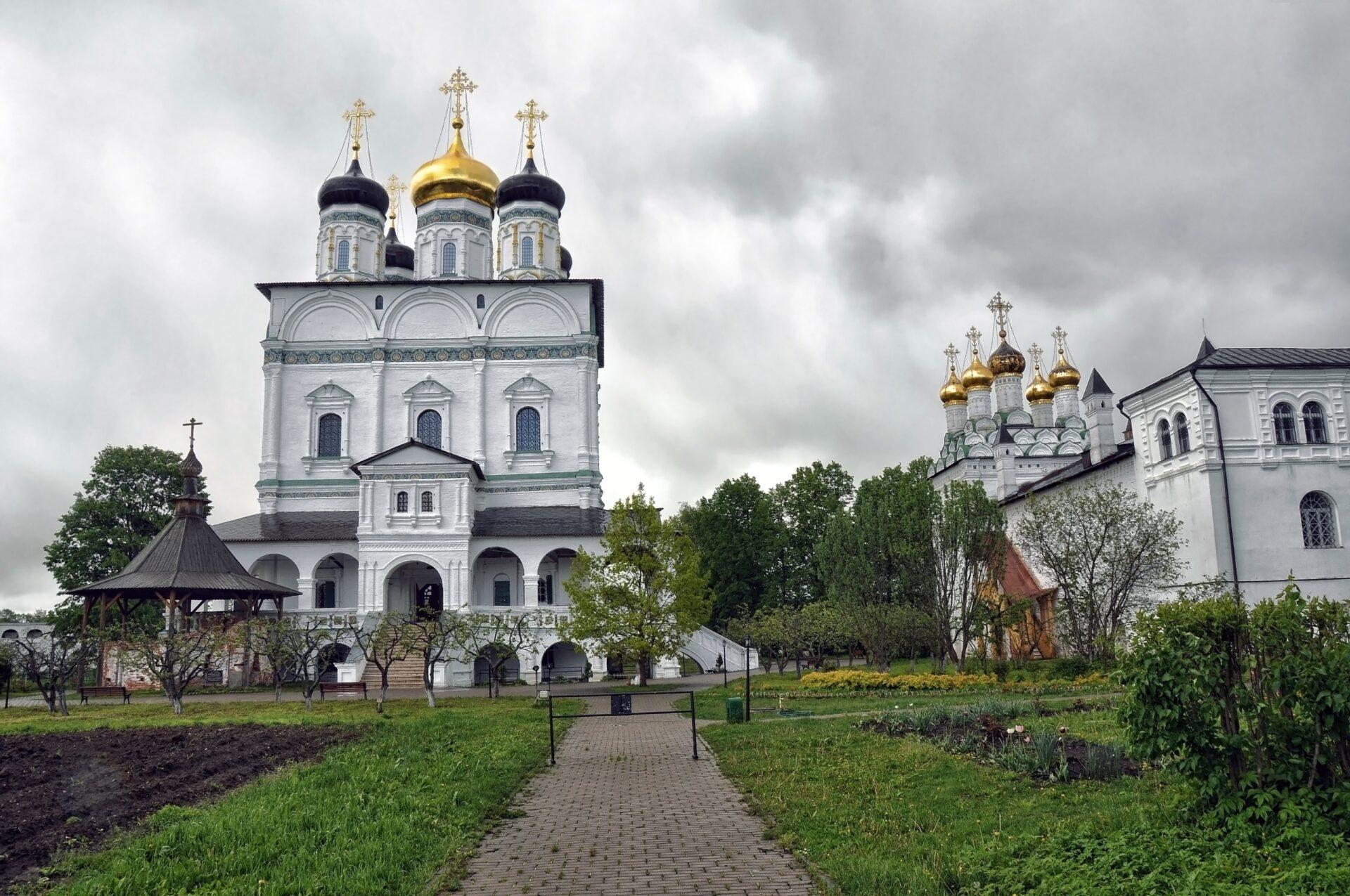 Иосифо— Волоцкий монастырь