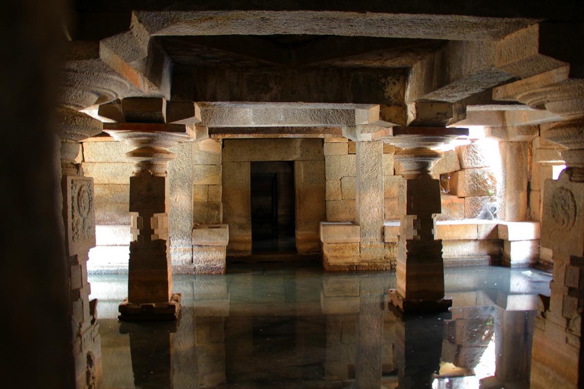 Кино индийский бани и пещера — pic 12